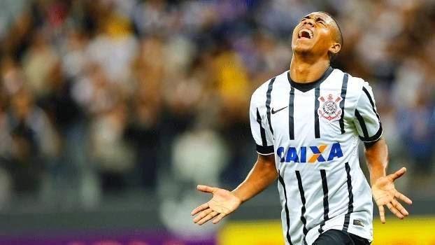Corinthians vence a Lusa e alcança marca histórica em Itaquera