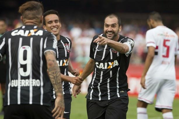 São Paulo inofensivo, Rogério Ceni infeliz e Corinthians cirúrgico: 8 anos de tabu no Morumbi!