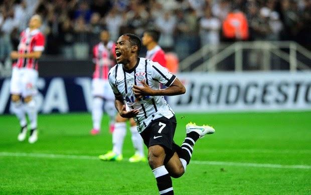 Corinthians atropela o São Paulo na Arena e vence Majestoso histórico
