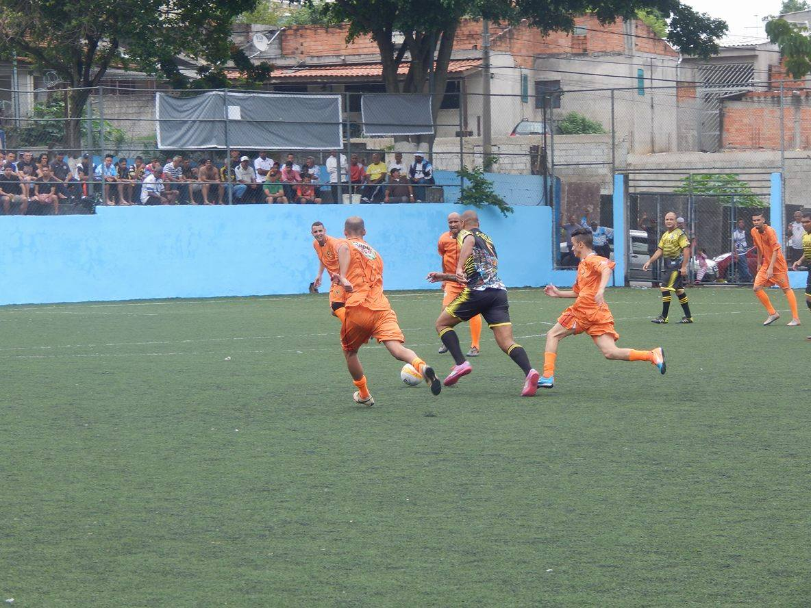 Vida Loka bate Psico e se garante na próxima fase da Copa Bozzano 2015