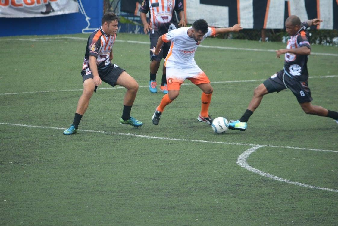 No último minuto e com ajuda de goleiro rival, Aliança empata com Batti Fácil na Super Copa Pioneer