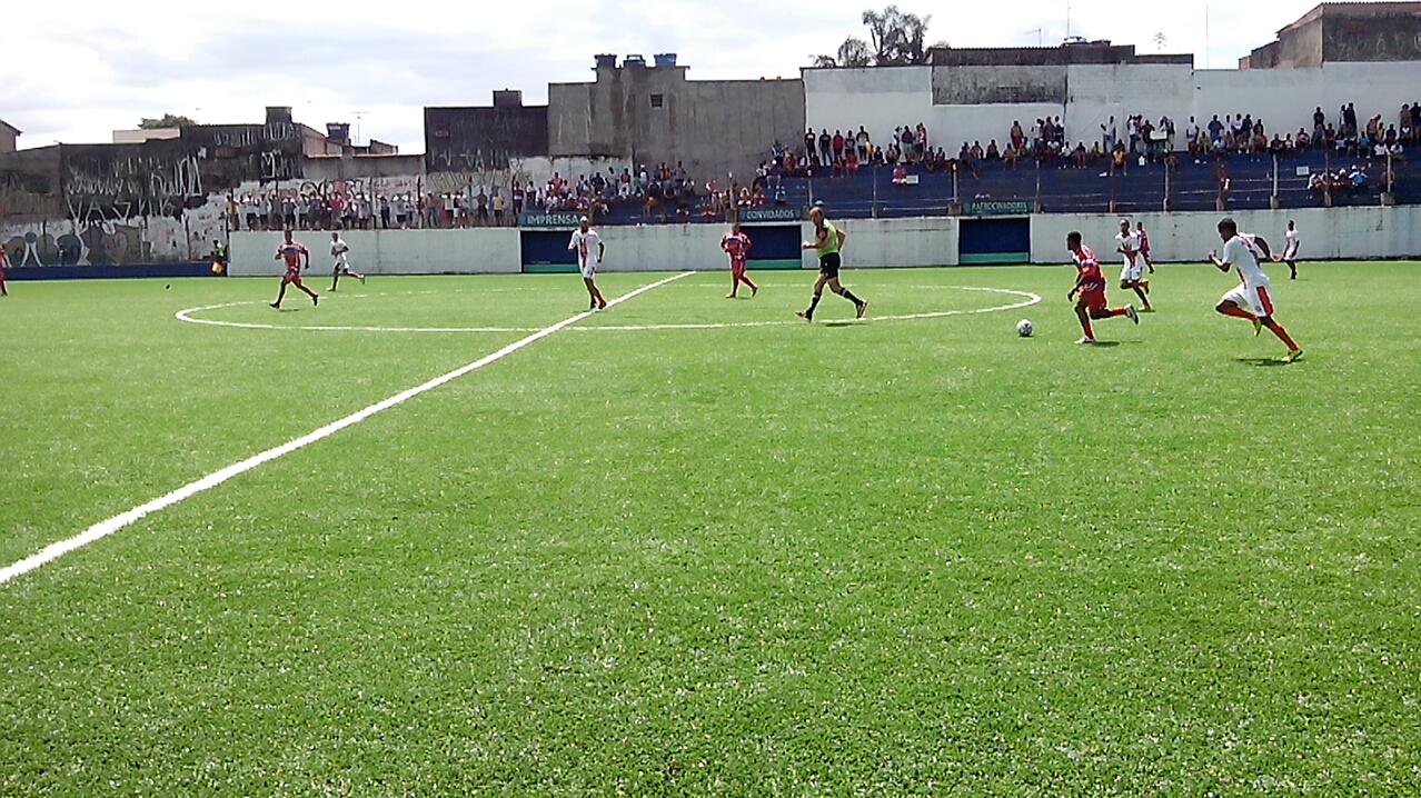 Galo Real joga bem e derrota Vila Fundão na Super Copa Pioneer